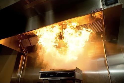 Czyszczenie przewodów technologicznych wentylacji wyciągowej w restauracjach